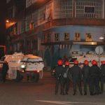 La Ertzaintza desaloja Kukutza, en un operativo que ha dejado 25 detenidos y decenas de heridos