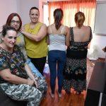 Doce familias residen en viviendas prestadas en Valle de los Nueve